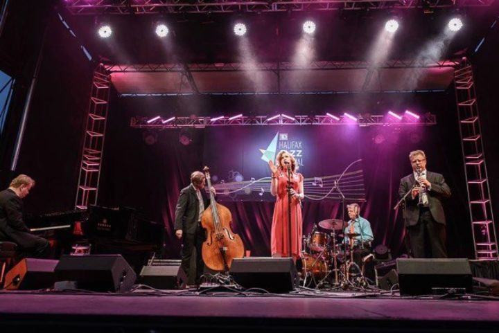 Alex Pangman and Her Alleycats + Free Swing dance class in St.James Park
